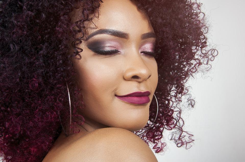 Les cheveux afro : Comment en prendre le plus grand soin ?