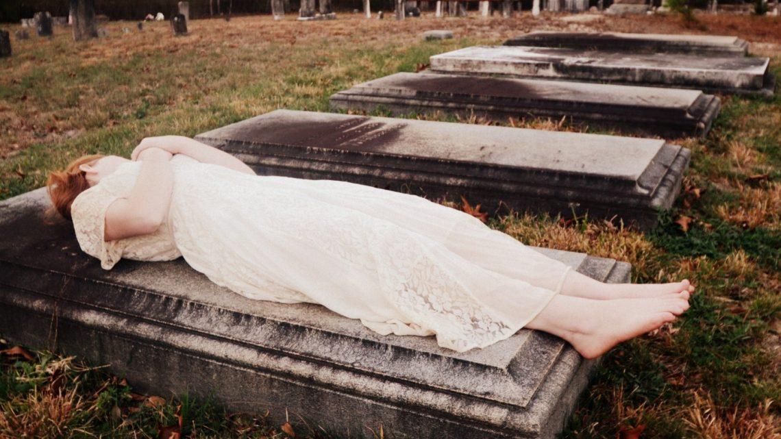 Comment organiser l'enterrement d'un proche ?