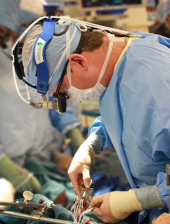 Le chirurgien